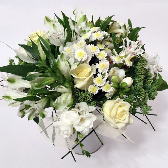 Bouquet Of Different White Flowers Lillepidu