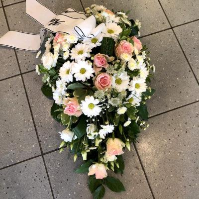Matusekimp roosade rooside ja krüsanteemidega 2