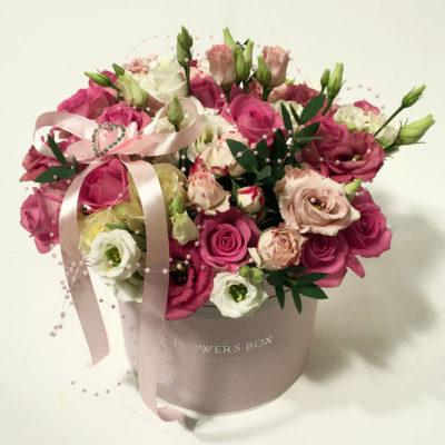 Roosa karp lilledega
